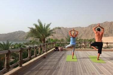 Des cours de yoga sont dispensés à l'hôtel... Adeptes ou débutants, le cadre est tout simplement somptueux